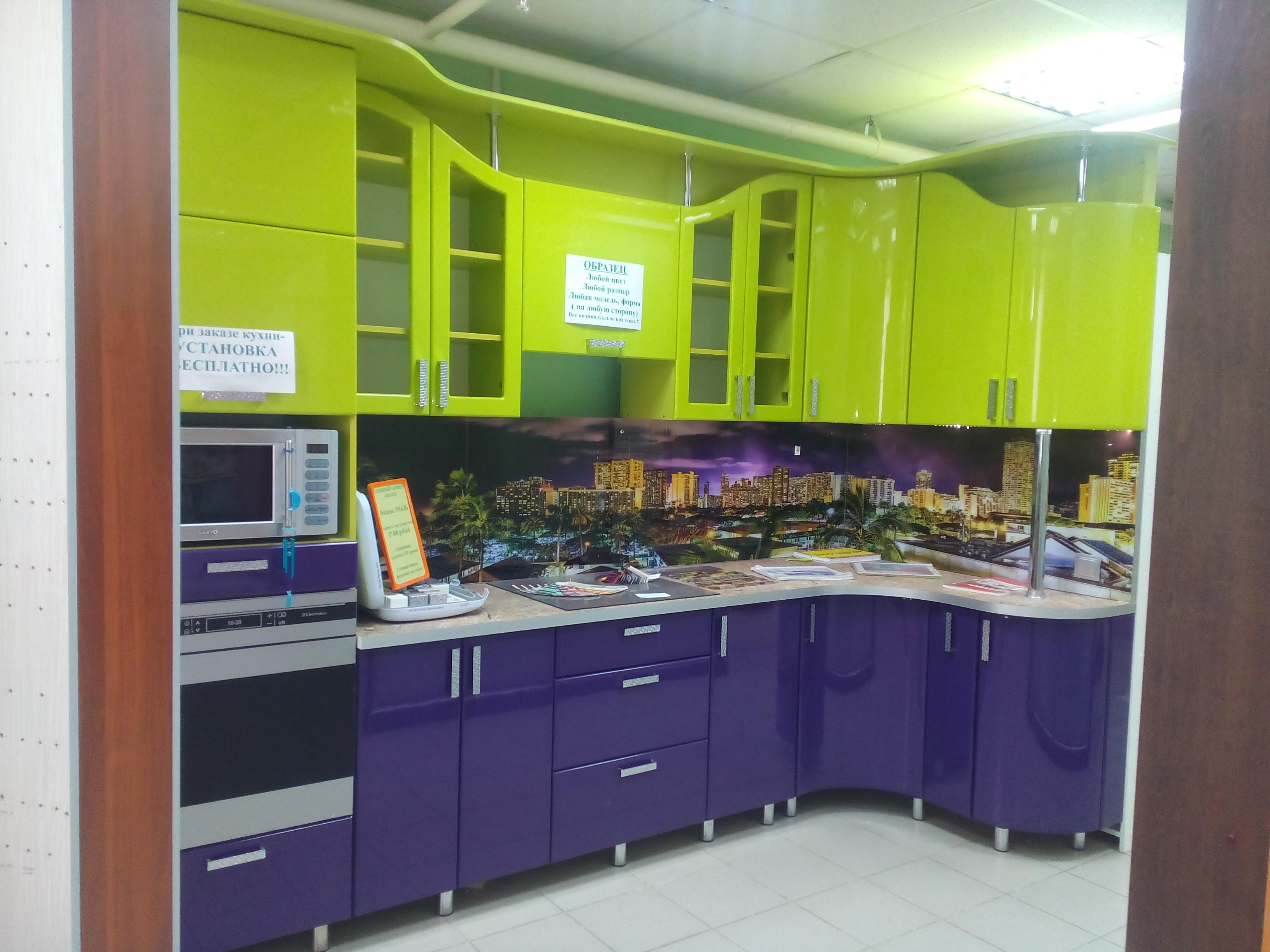 Кухонный гарнитур в 9-этажку