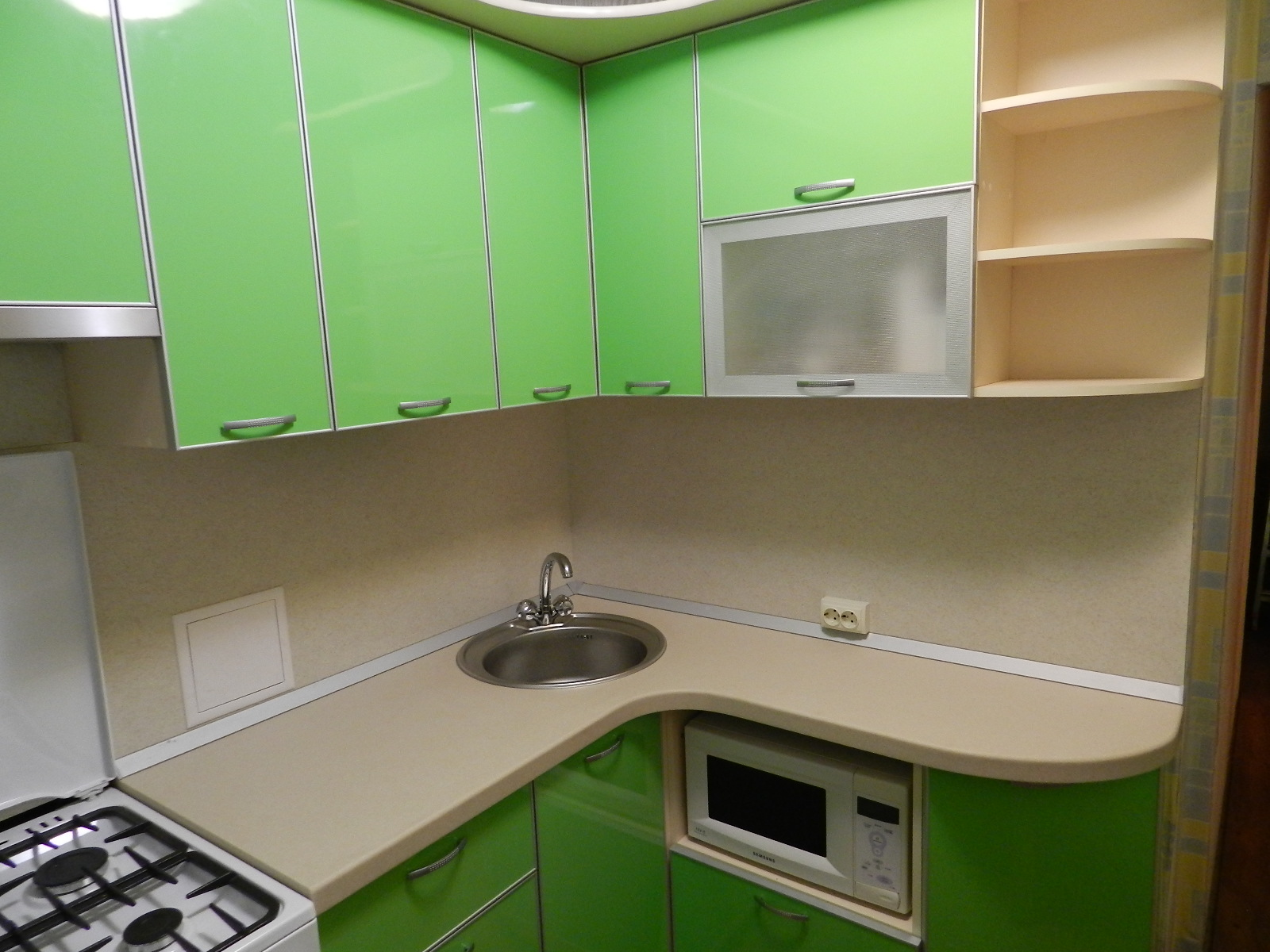 Кухонный гарнитур в типовую 5-этажку