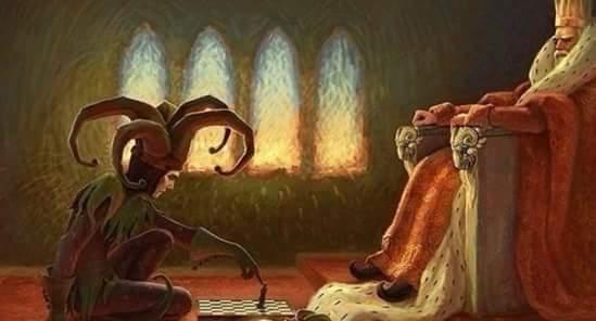 Когда игра заканчивается, король и пешка падают в одну и ту же коробку...