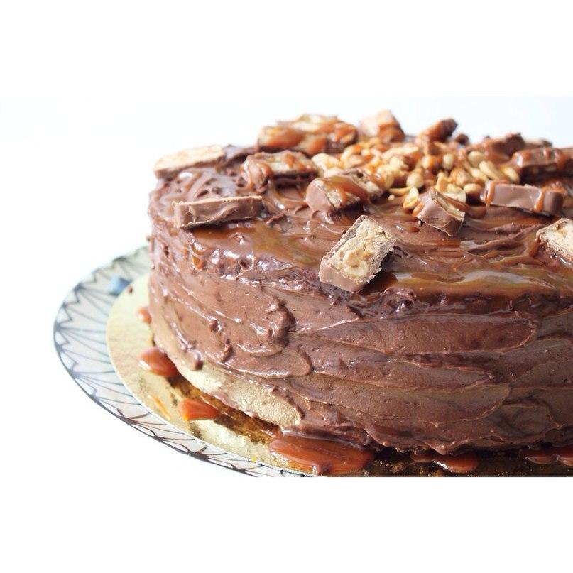Невероятно вкусный торт Сникерс с домашней соленой карамелью