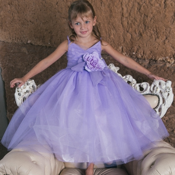 Роскошные платья на праздники для юных принцесс по сказочной цене 1300 рублей!