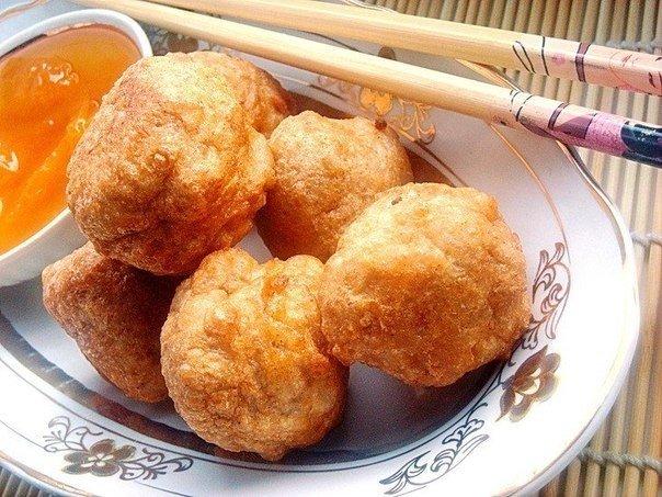 Рисовые шарики с абрикосовым сиропом