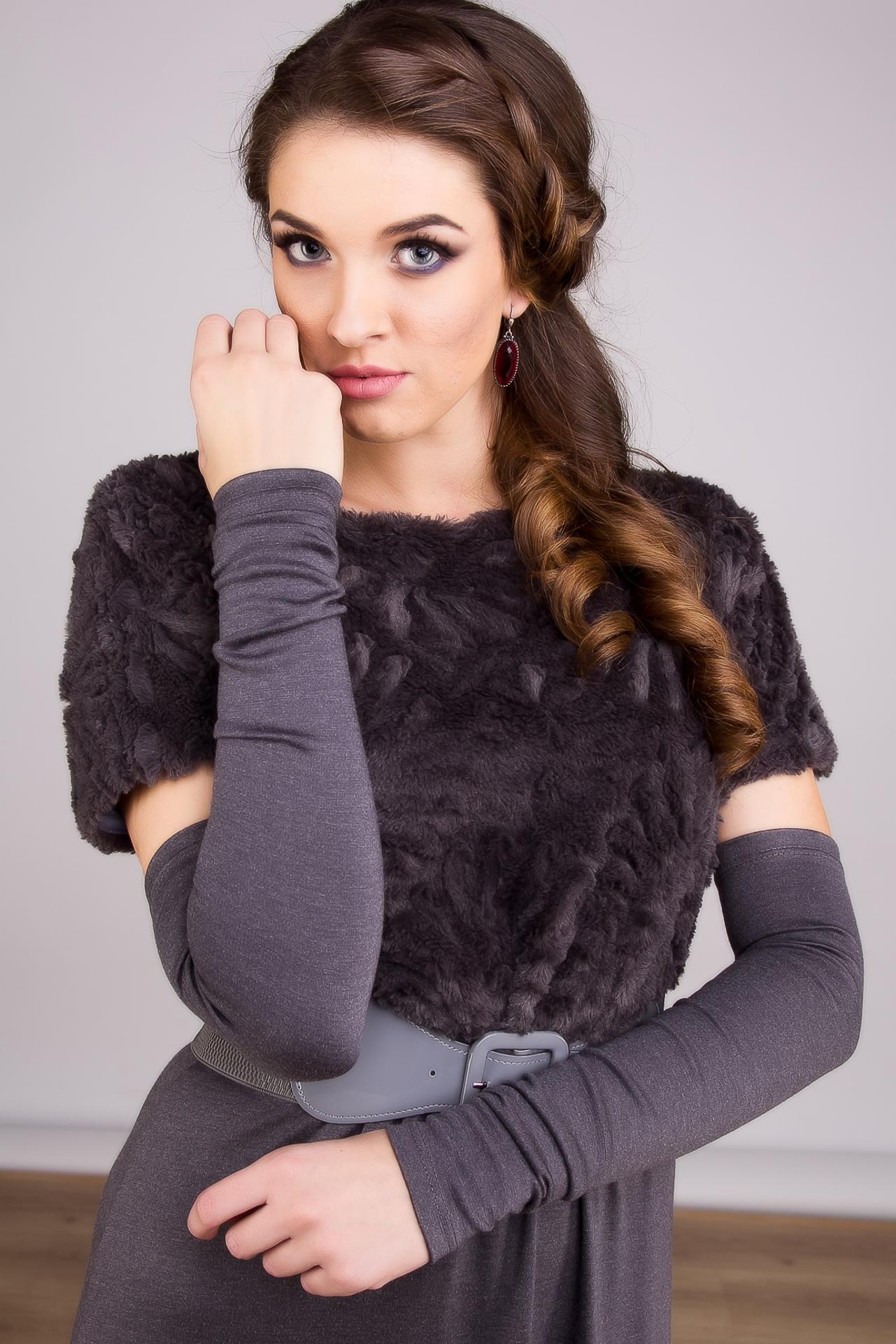 Скидки до 50% на стильную одежду от молодого российского дизайнера. И новая осенне-зимняя коллекция для девушек и женщин, желающих выделиться в толпе.