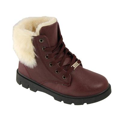 И снова - Обувь для любой погоды в любое время года. Огромный выбор зимних кроссовок. Есть мужской и детский ассортимент!