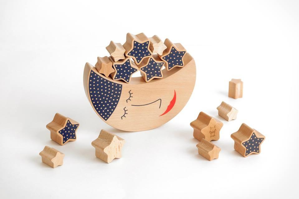 Очень интересные дизайнерские деревянные игрушки Shusha, а также простые, но нужные производители Вальда и Сказки дерева