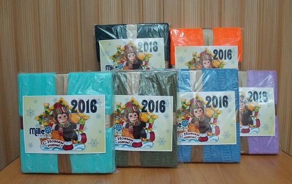 Трикотажные пледы Эралюкс в подарочной новогодней упаковке. Цены снижены, все пледы по 650 р! Торопитесь, количество ограничено!
