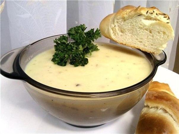 Пряный чесночно-сливочный суп .