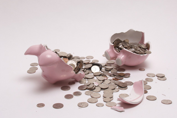 В стране не хватает денег.