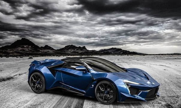 �������� W Motors Fenyr SuperSport ������ � ���������� 25 ����