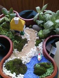 Миниатюрный садик с водоемом