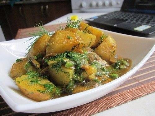 Карри с грибами и картофелем