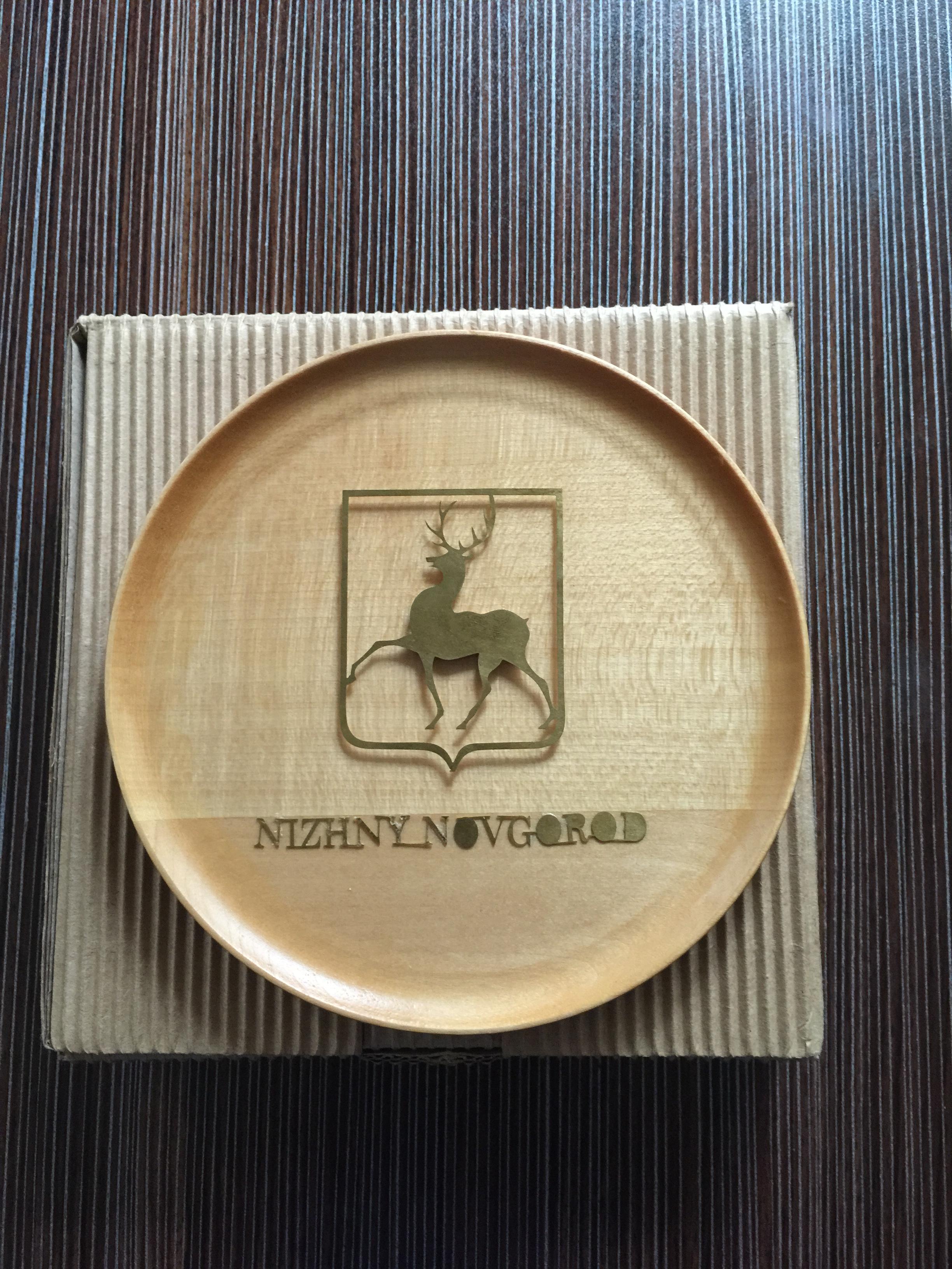 На сайте студии сувенирных тарелок