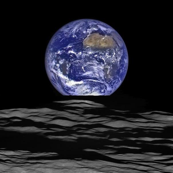 Голубой мрамор. Космический зонд сделал потрясающий снимок Земли