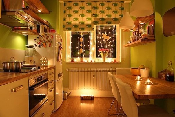Как вам такая уютная кухонька?