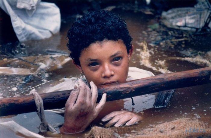 Омайра Санчес ребенок умиравший перед камерами