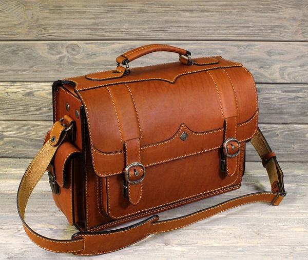 Респектабельные кожаные аксессуары для успешных людей-3. Саквояжи, портфели, рюкзаки, кошельки, кредитницы, обложки для документов. Название бренда не афишируем.