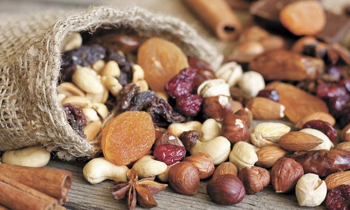 На сладкое! Восточные сладости, жевательный мармелад, сухофрукты, орехи, цукаты в шоколаде и без, а так же просто шоколад и конфеты