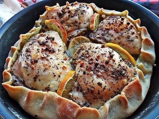 Курица, запечённая в съедобной тарелке