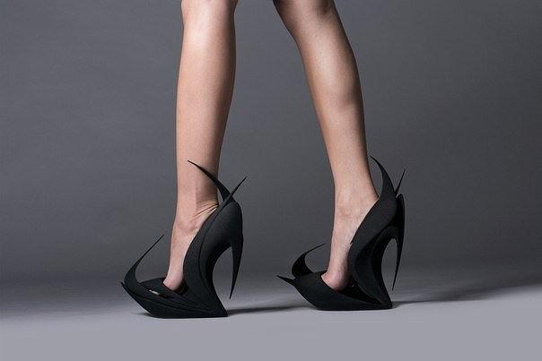 Футуристическая обувь от Zaha Hadid