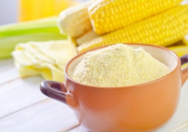 Очищение кожи кукурузной мукой