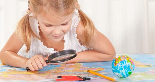 Давайте учиться, играя! Чем раньше в комнате малыша появится географическая карта, тем лучше! Сферические пазлы-глобусы, географические пазлы, атласы с наклейками, раскраски, настольные игры-ходилки...Выкуп 2