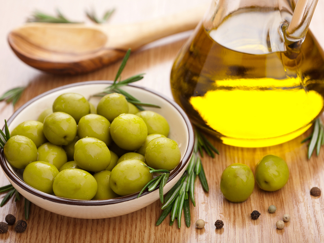Греческая лавка. Оливковое масло, уксусы, томаты, овощи, фрукты, сыры, паста и горчица. Более бюджетный вариант в условиях кризиса!