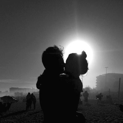 Может быть, Волк влюблён в Луну, и поэтому каждый месяц в полнолуние он воет из-за любви, которой никогда не коснётся...