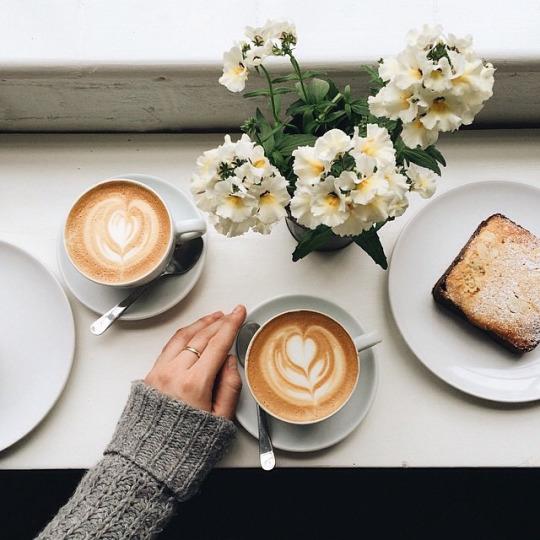 Кофе в кафе...