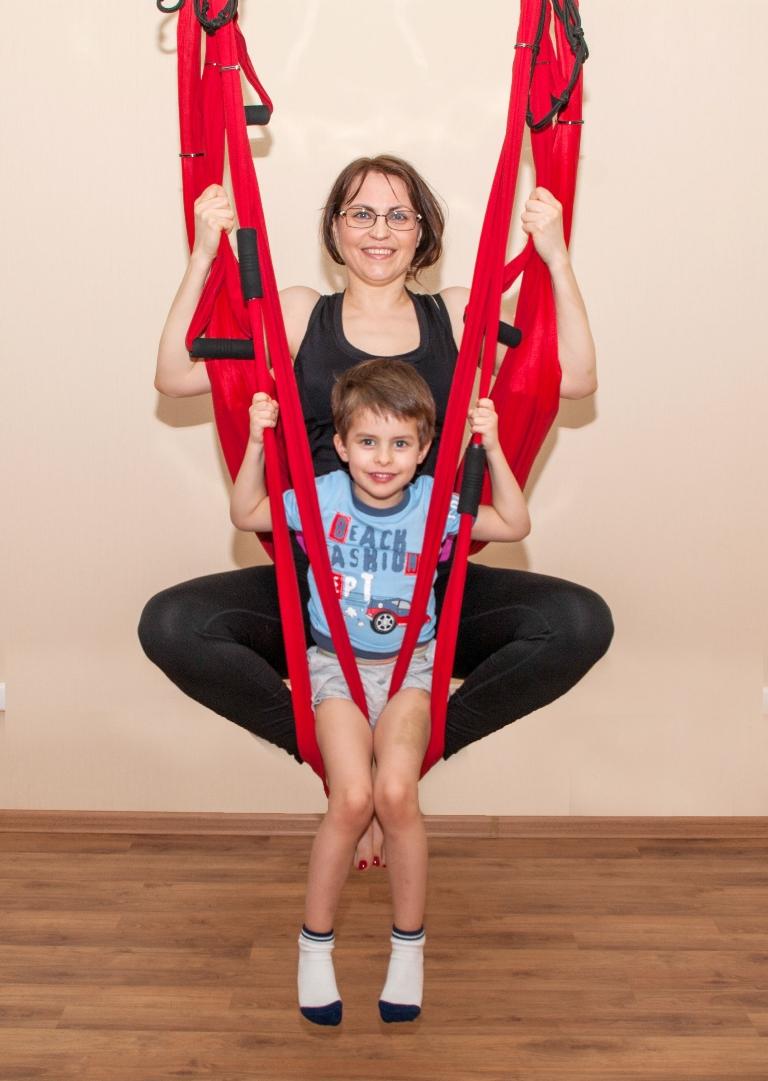 Воздушная йога с детьми