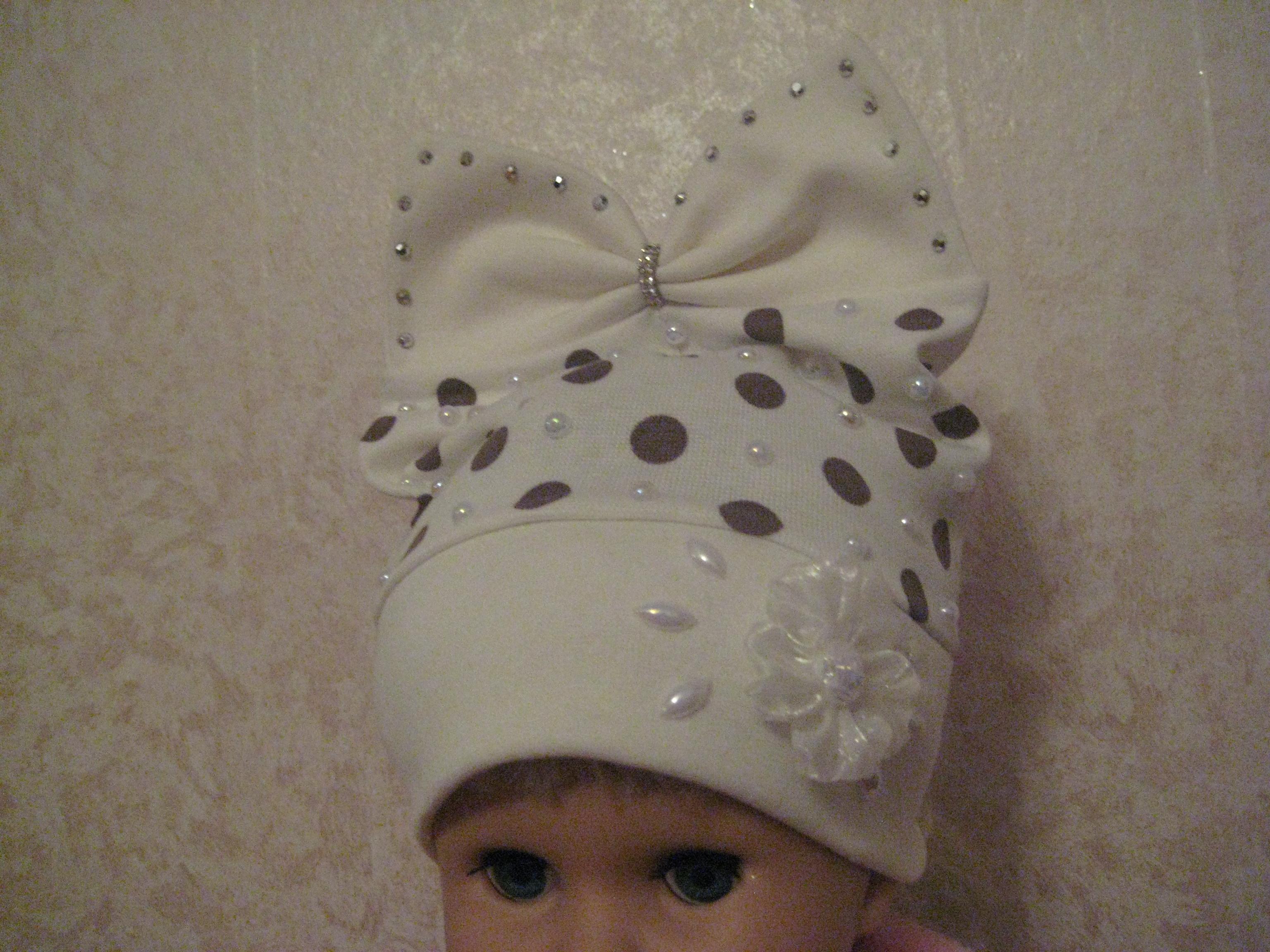 Весенние шапки на девочку. Размер 46 - 48, 48 - 50.
