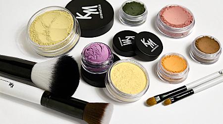 Милые девушки, весна на носу))) По вашим просьбам открываю вновь KM Cosmetics