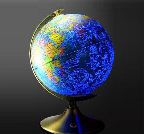Днём это обычный глобус, а ночью это карта звёздного неба