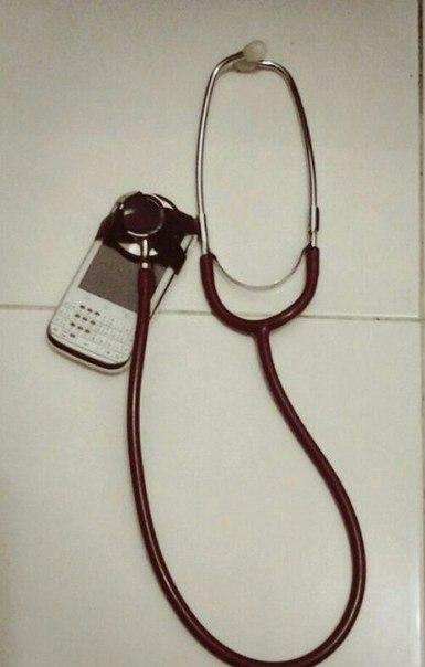 Учусь на врача, недавно сломались наушники