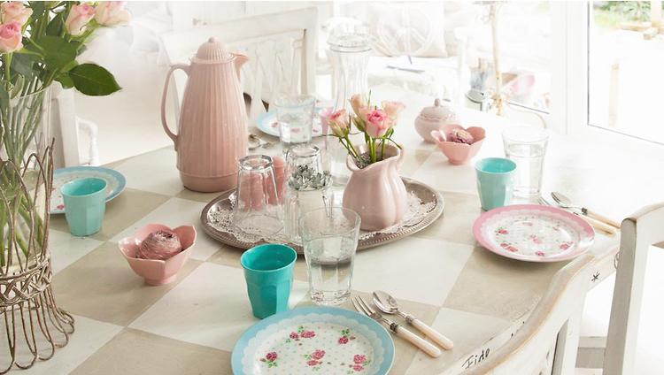 Доброе пятничное утро! Начнем рабочий день с чаем или с чаянием...
