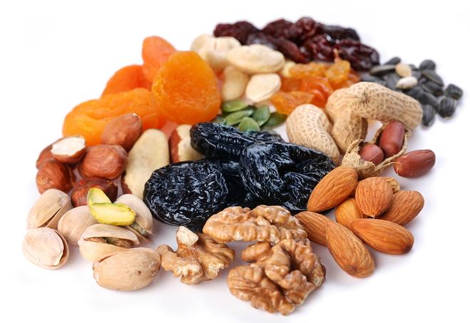 Орехи, сухофрукты, семечки - природные витамины спешат на помощь!