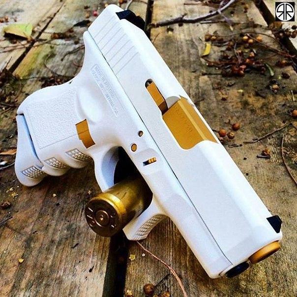 Боевой пистолет, распечатанный на 3D принтере. Кроме того, стреляет боевыми патронами