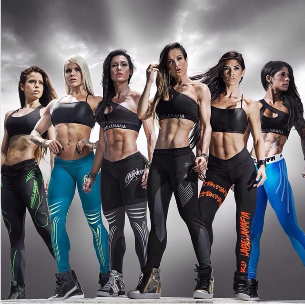 L@bellaM@fia - мода, которая мотивирует! Самый популярный бренд элитной одежды для фитнеса бразильского дизайнера! Леггинсы, топы, футболки, платья! Привлекайте с себе внимание!