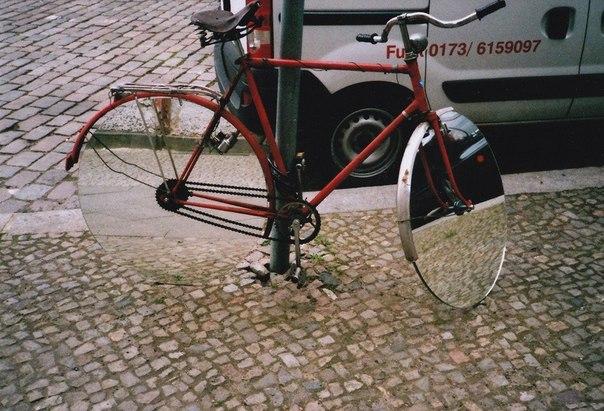 Велосипед с зеркальными колёсами