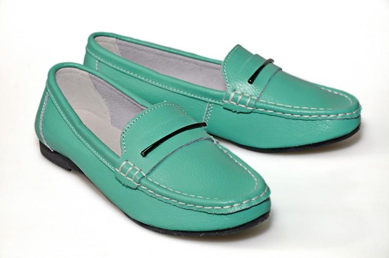 Качественная недорогая обувь для всей семьи! Мокасины из натуральной кожи от 600руб,а так же балетки,кеды,слипоны,туфли и многое другое по очень приятным ценам! Галереи.