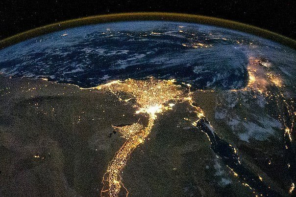 Цветок пустыни - река Нил из космоса