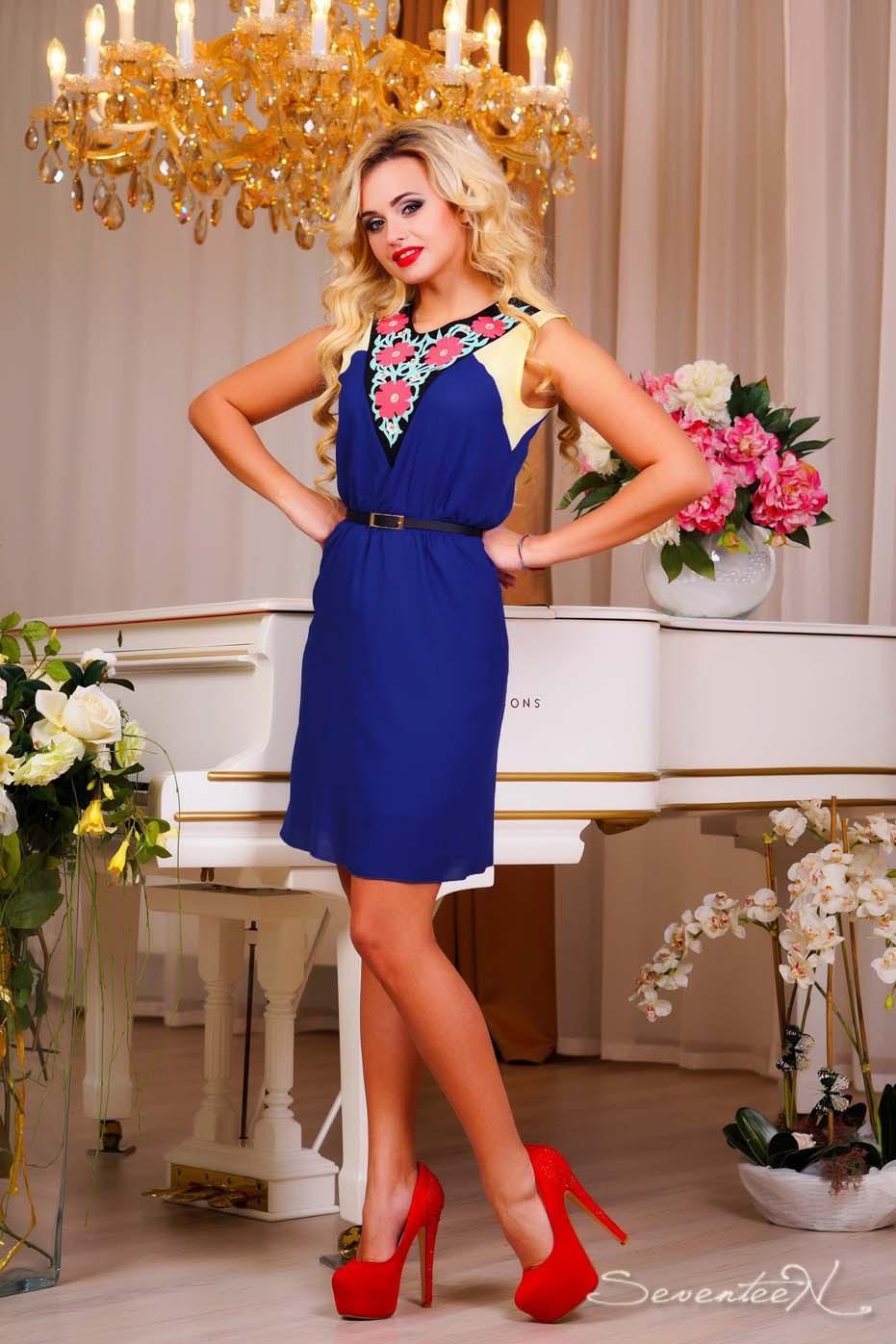 Женская одежда, полная обаяния и очарования: платья, блузы, юбки, брюки, леггинсы.
