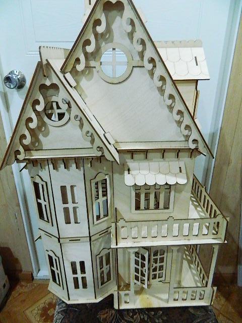 Принимаю заказы на изготовление кукольного домика и мебели. Срок изготовления от 2 до 5 дней. Стоимость Полного комплекта домик и мебель что представлена на фото в галерее - 2500 руб. Возможна доставка по городу НН.