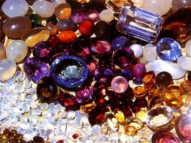 Сбор заказов. Радуга камня! Украшения и сувениры из натуральных камней! Новое поступление! Есть всё! Кулоны, серьги, кольца, бусы, браслеты, кабошоны, шкатулки, картины и многое другое! Цены радуют! Украшения из серебра с925! Галереи! Вык-13.