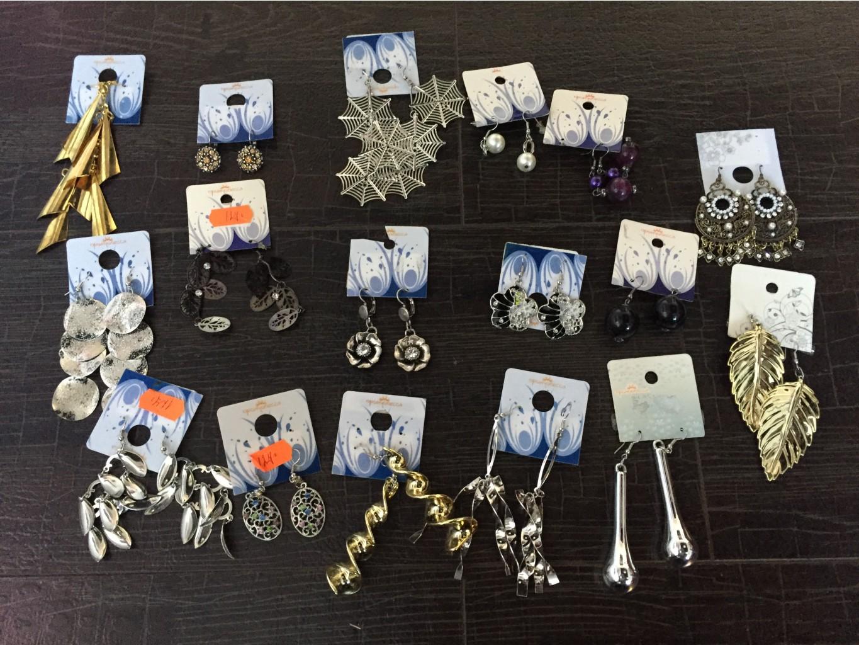 Спец предложение!Бижутерия(лот!)Огромный выбор сережки ,браслеты,бусики ,колечки по очень низкой цене!Все по 49р