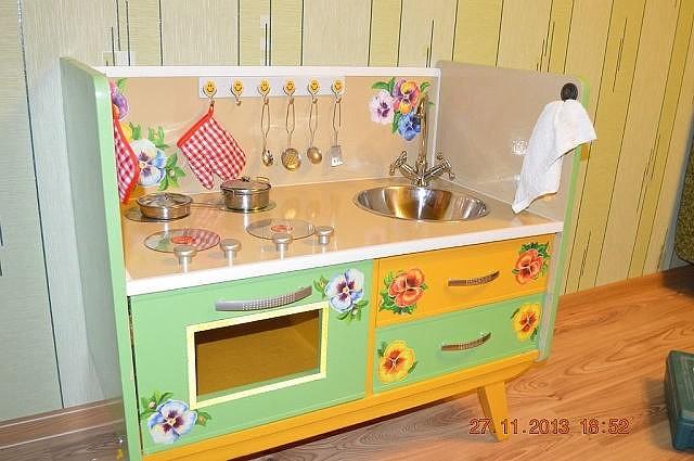 Фото детская кухня своими руками из старой мебели фото