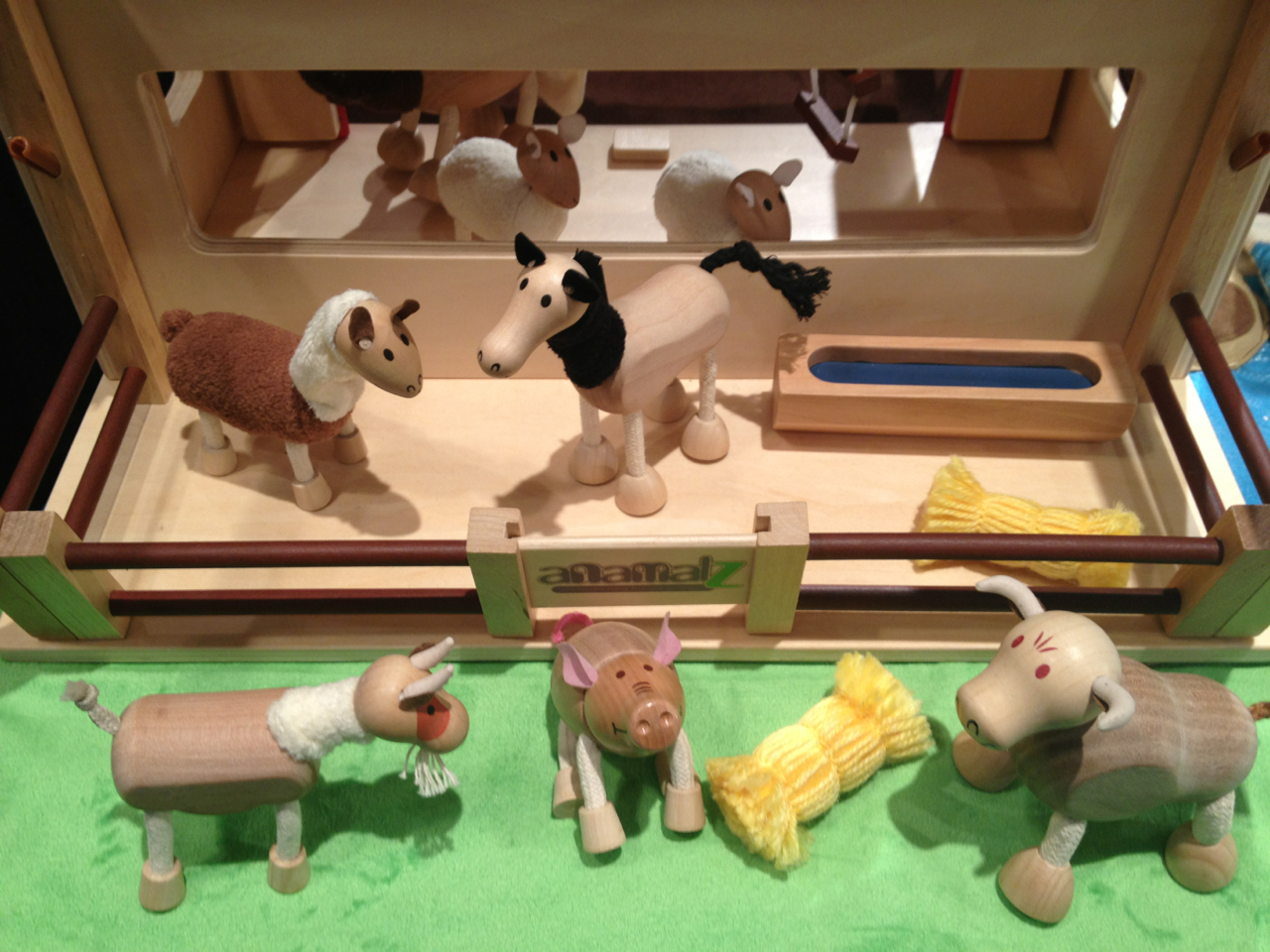 РЕКОМЕНДУЮ. Уникальные игрушки для наших деток. А также акваферма, платформа для рисования водой.