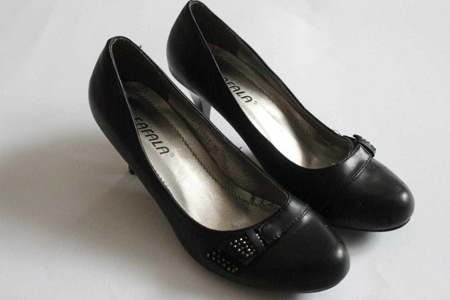 Сбор заказов. оОчень большой выбор обуви! Всё в одном. Женские, мужские, детские модели. Туфли, туфельки, ботильоны, ботильоны, сапоги, кроссовки, ботинки от 290 рублей!!