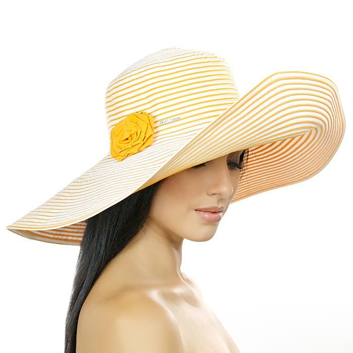 NEW!!!!. По-моему, женщину в шляпке забыть нельзя... Софи Лорен...Ну просто шикарный выбор шляпок ...