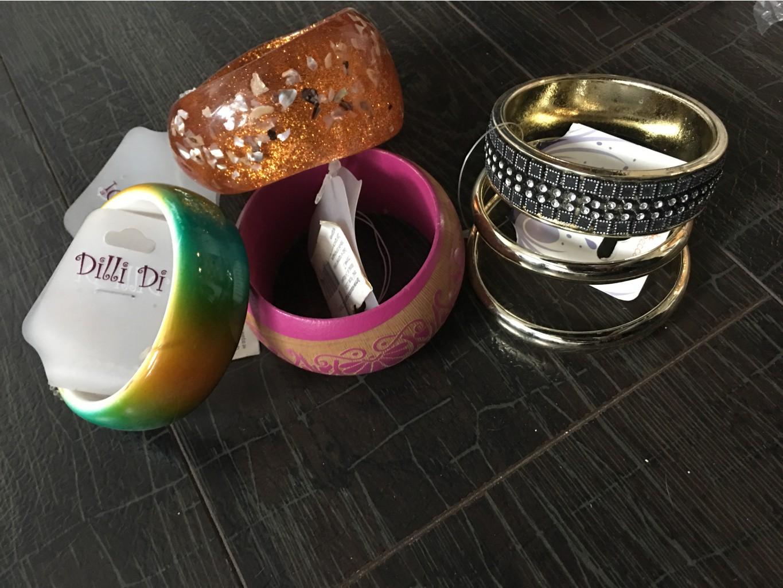 Цена еще ниже!!!всего 39 р за бижутерию!!!Бижутерия(лот!)Огромный выбор сережки ,браслеты,бусики ,колечки по очень