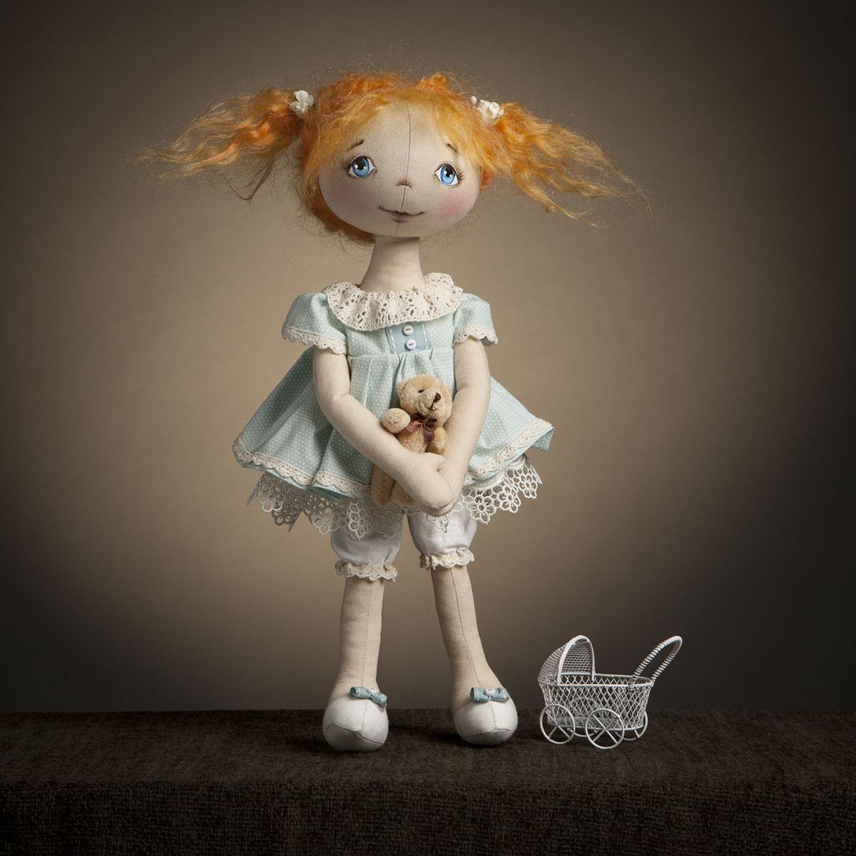Настоящие коллекционные куклы и игрушки своими руками! Мягкость кружева, блеск атласа, обилие мелких деталей - восхитит всех! А так же трессы, обувь, ткань для шитья тела кукол. Модное х0бби. Выкуп 5/16
